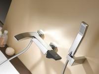 Смеситель в ванной: практичность или современность